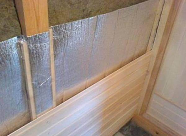 Чем утеплить стены в бане изнутри