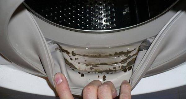 В стиральной машине неприятный запах
