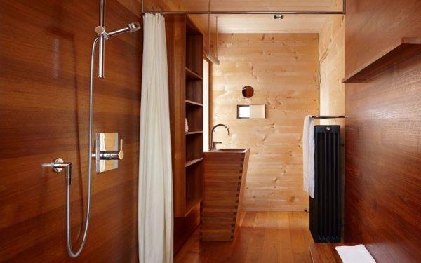 Как в деревянном доме сделать душевую