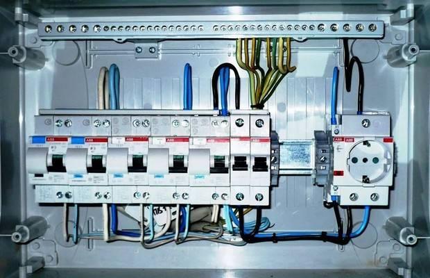 Монтаж вводного электрощита в частном доме