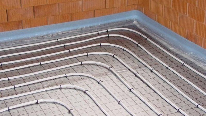 Чем лучше залить водяной теплый пол