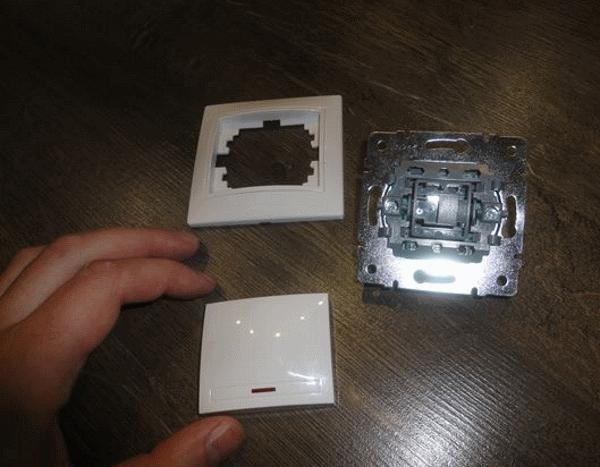 Как снять выключатель