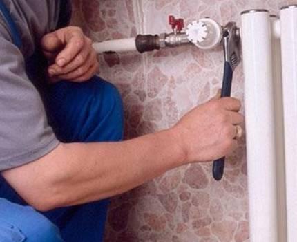 Подключение радиатора из стены