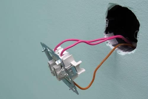 Подрозетник для выключателя