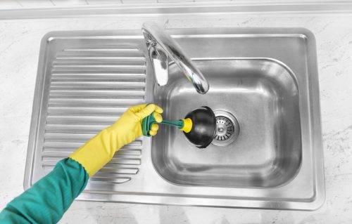 Не проходит вода в раковине на кухне