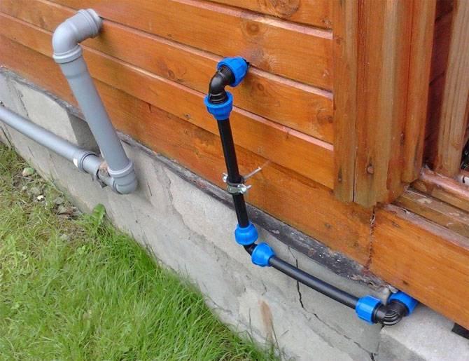 Трубопровод на даче