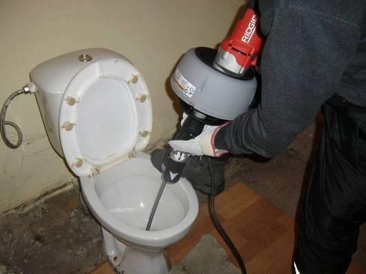 Устройство для чистки труб