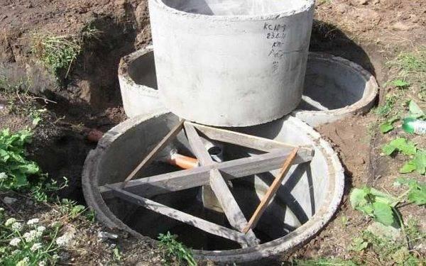 Устройство переливного септика из бетонных колец