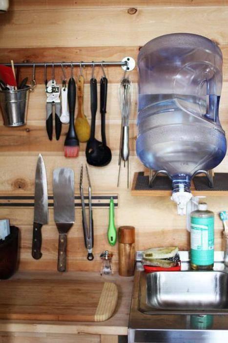 Умывальник пластиковый с краном