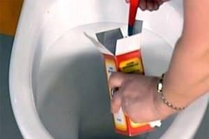 Как устранить засор в туалете