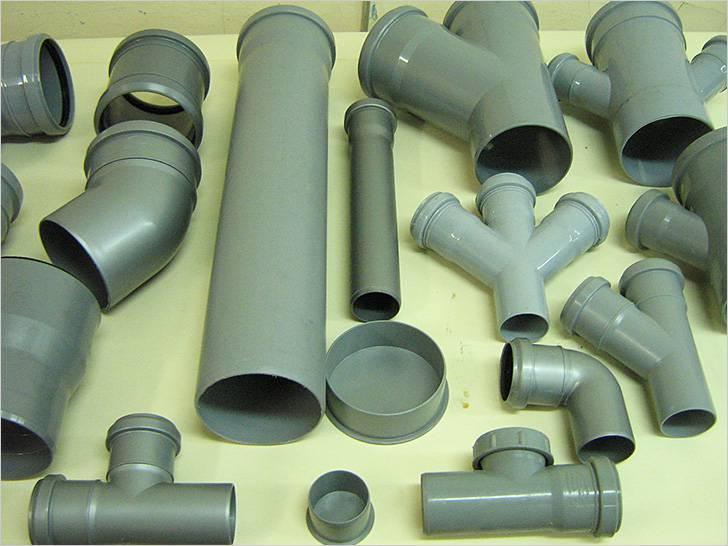 Комплектующие для канализации из пластиковых труб