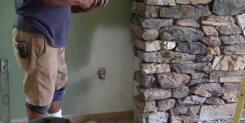 Облицовка камина искусственным камнем