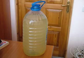 Желтая вода в колодце