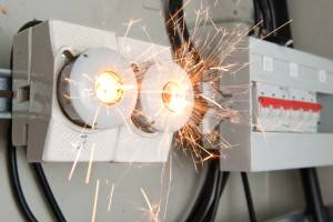 Оказание доврачебной помощи при поражении электрическим током