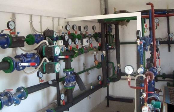 Общедомовой прибор учета тепла в многоквартирном доме
