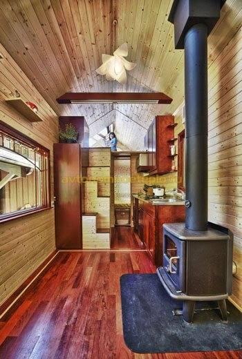 Печь для деревянного дома отопительная