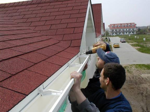 Как сделать водосток с крыши