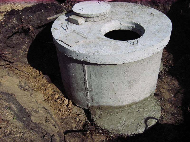 Канализация в частном доме из бетонных колец