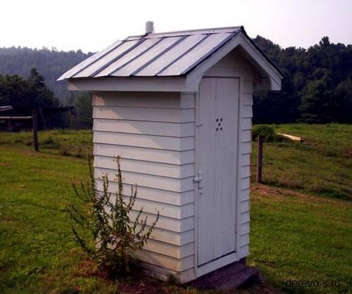 Дачный туалет из бруса
