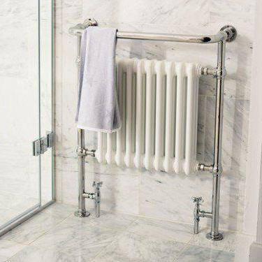Как крепить полотенцесушитель к стене
