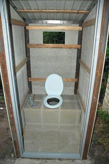 Туалет из профнастила своими руками
