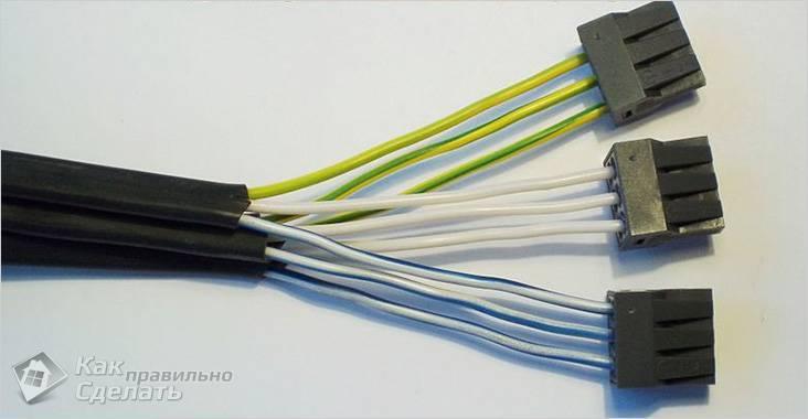 Скрутка проводов в распределительной коробке