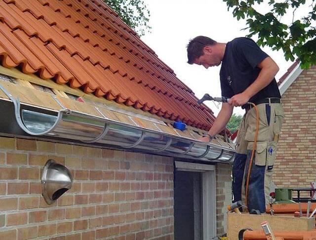 Водоотливы пластиковые для крыши