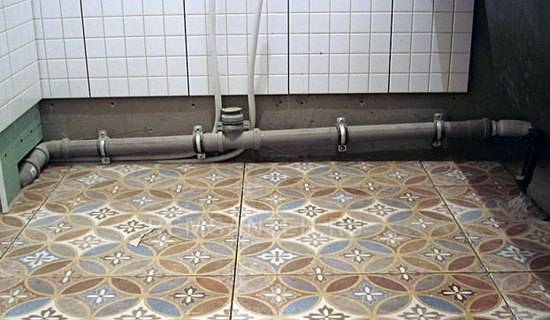 Полухомуты для крепления труб