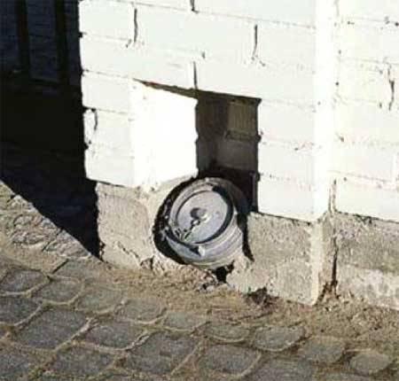 Труба для откачки из выгребной ямы
