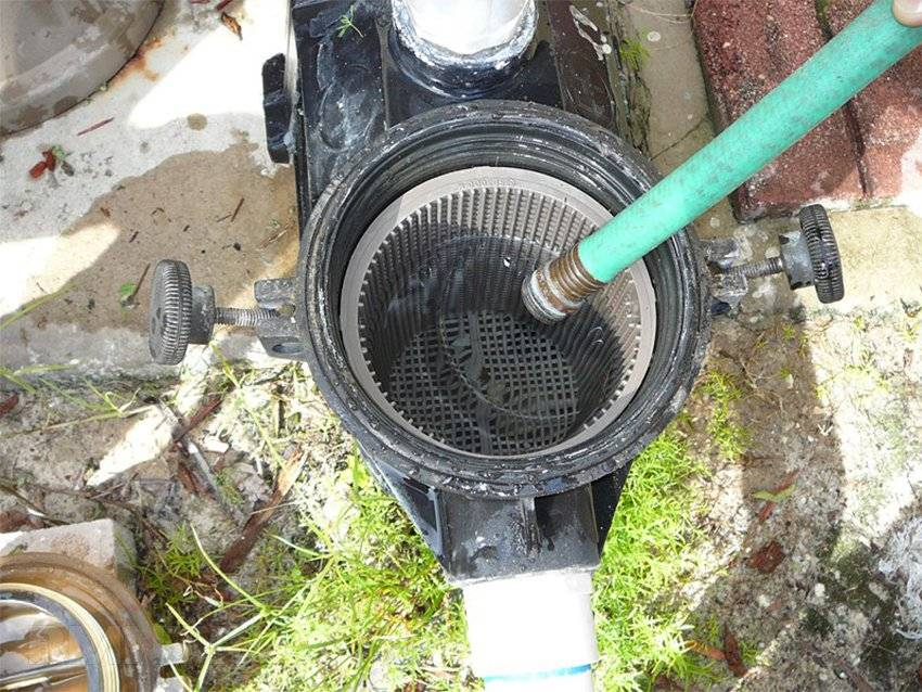Система очистки воды в бассейне