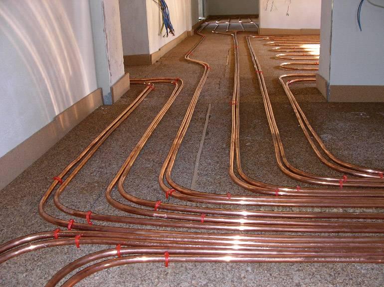Трубы отопления в полу