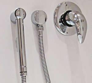 Как подключить гигиенический душ в туалете
