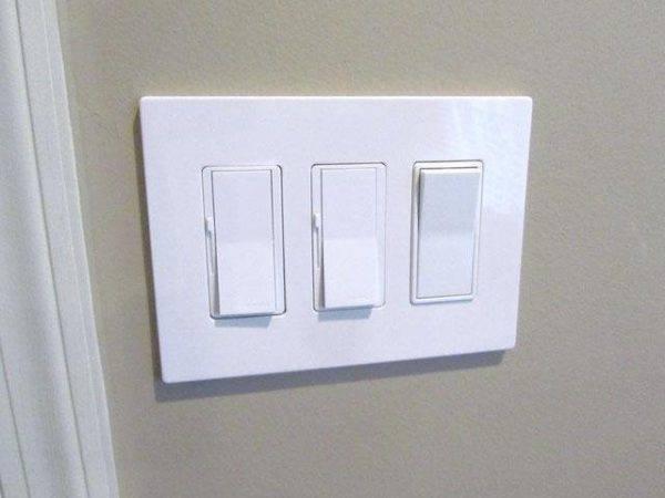 Схема управления освещением с двух мест