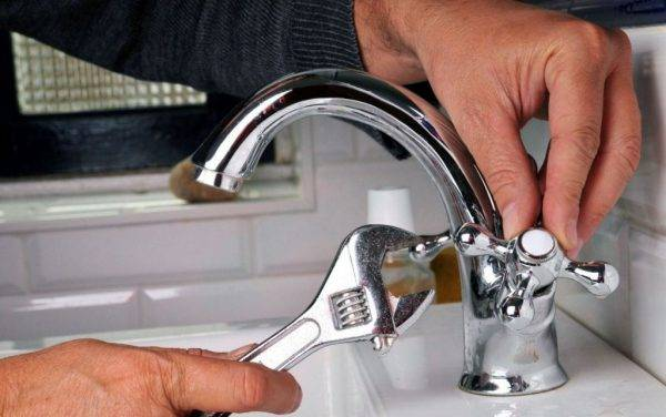 Гусак для смесителя в ванной