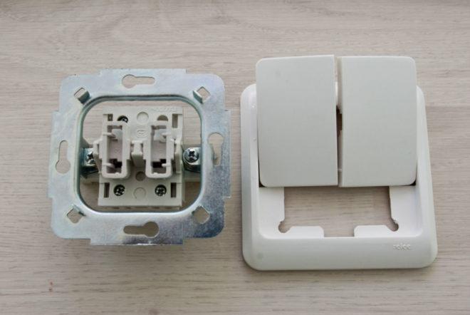 Как снять выключатель света со стены