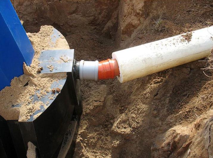 Укладка канализационных труб